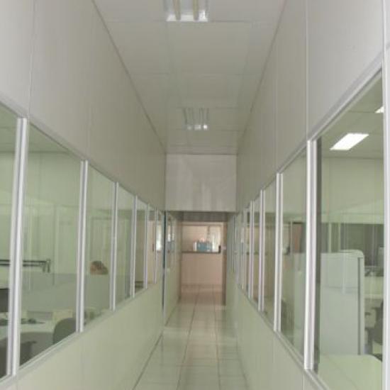 Divisória de PVC para Laboratório e Áreas Úmidas