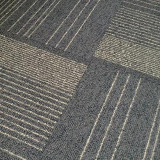 Piso Elevado revestido com Carpete